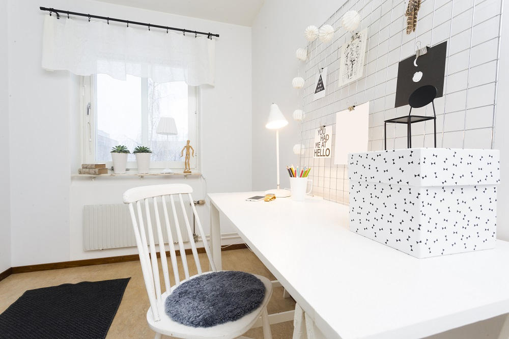 białe-biurko